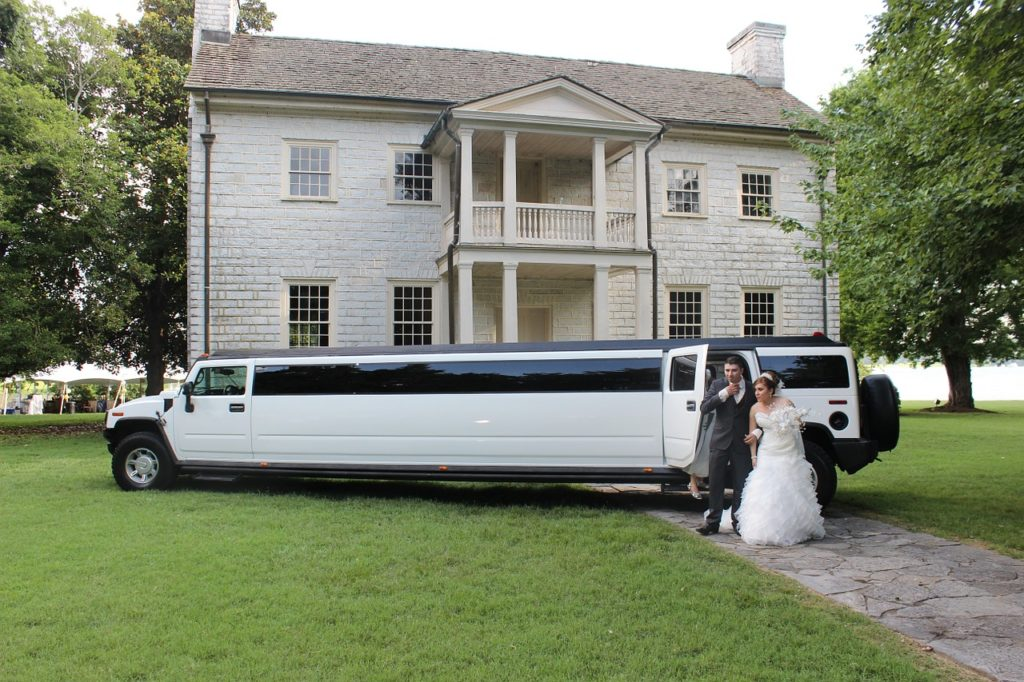 Splendid Chauffeurs Wedding Limo